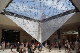 Pirâmide Invertida - Louvre