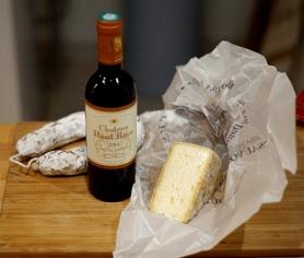 Vinho, queijo e salaminho